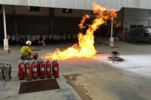 ฝึกอบรมการดับเพลิงขั้นต้น และฝึกซ้อมอพยพหนีไฟ ประจำปี 2559